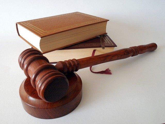 Kiedy warto sięgnąć po płatne doradztwo prawne?